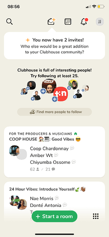 Clubhouse Hauptbildschirm mit Kontakten & Einladungen
