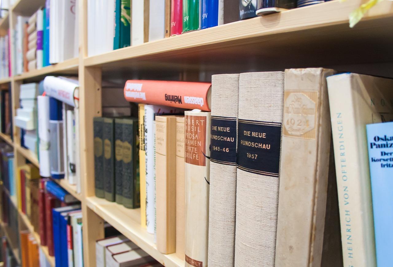 book-678262_1280.jpg