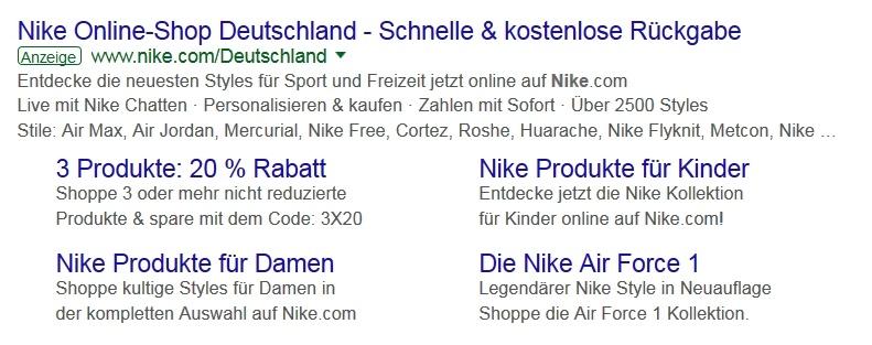 Beispiel einer Anzeige von Nike mit Sitelink-Erweiterungen