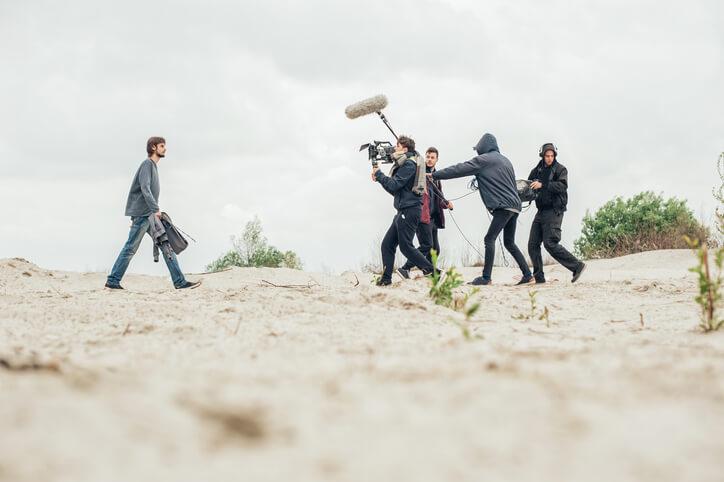 Filmcrew-dreht-Imagefilm-am-Strand