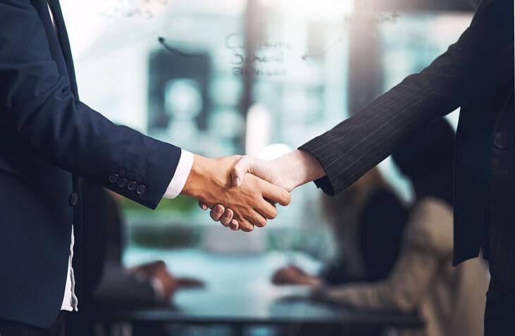 Mergers & Acquisitions: Phasen, Beispiele, Aufgaben und Motive