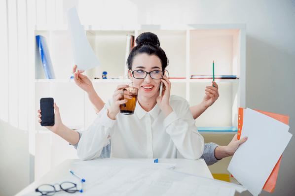 9 Beispiele, wie Sie langweilige Aufgaben in Marketing, Vertrieb & Service automatisieren können