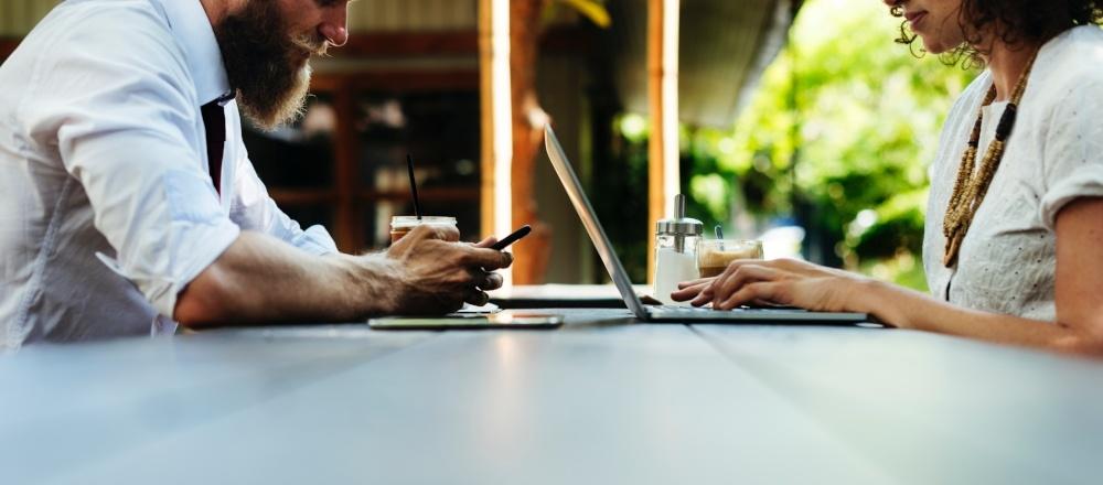 LinkedIn vs. XING – Karrierenetzwerke auf dem Prüfstand