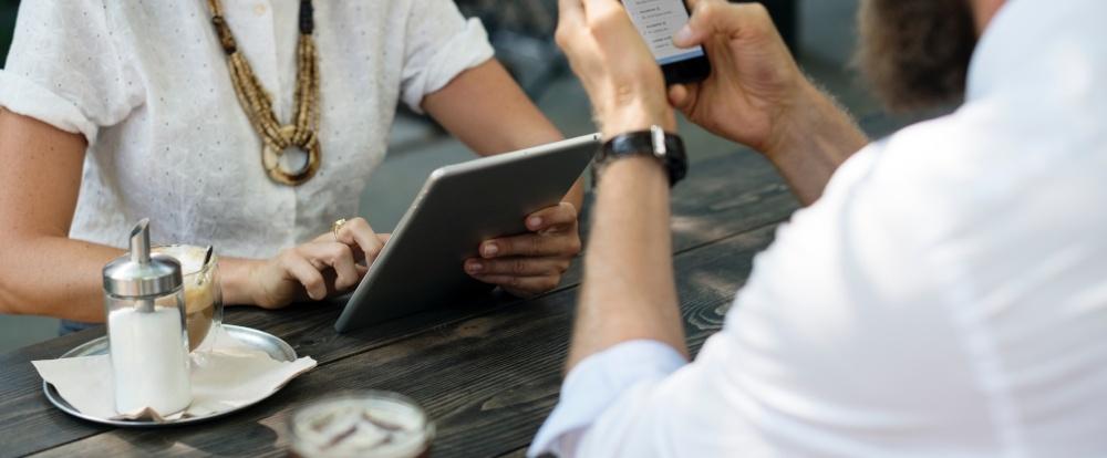 Snackable Content: 5 Apps für Lesemuffel und Zeitsparer