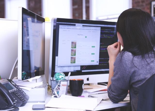 4 Tipps für einen gesunden, rückenfreundlichen Arbeitsplatz