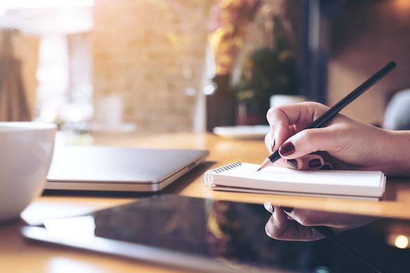 10 Fragen, die Sie Kunden für wirksame Testimonials stellen sollten